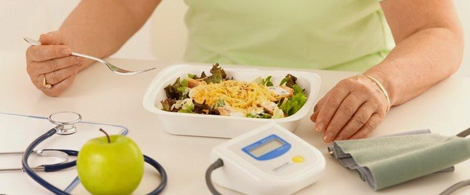 Что предпринимать когда давление поднимается после еды